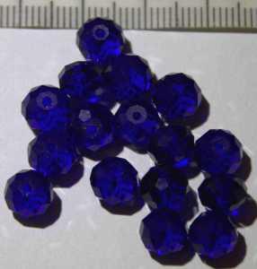 Glasperle Blau geschliffen 8mm
