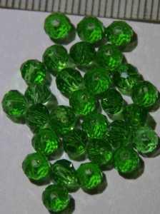 Glasperle Grün geschliffen 4mm