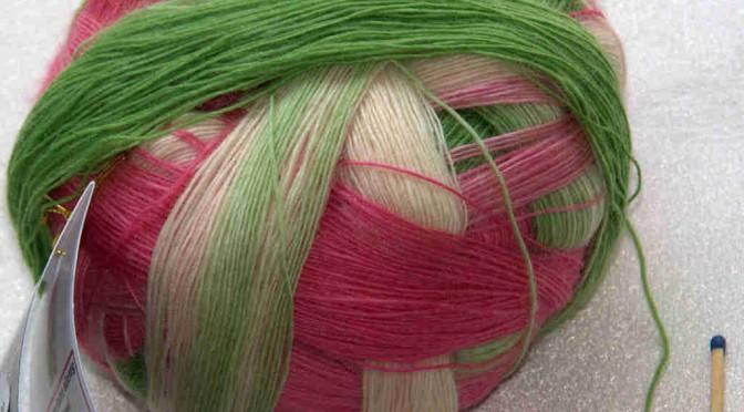 Durch die Blume von Schoppel-Wolle Zauberball und Laceball – gibt es Unterschiede?