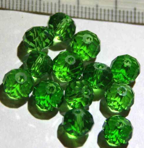 Glasperle Grün geschliffen 8mm